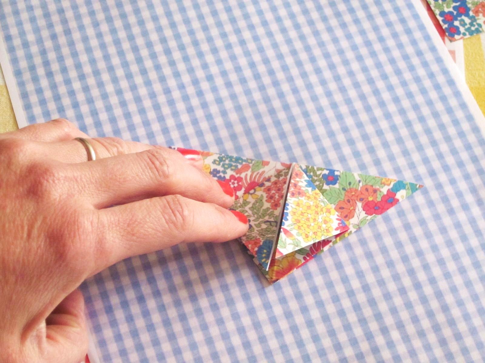 diy papillons origami. Black Bedroom Furniture Sets. Home Design Ideas
