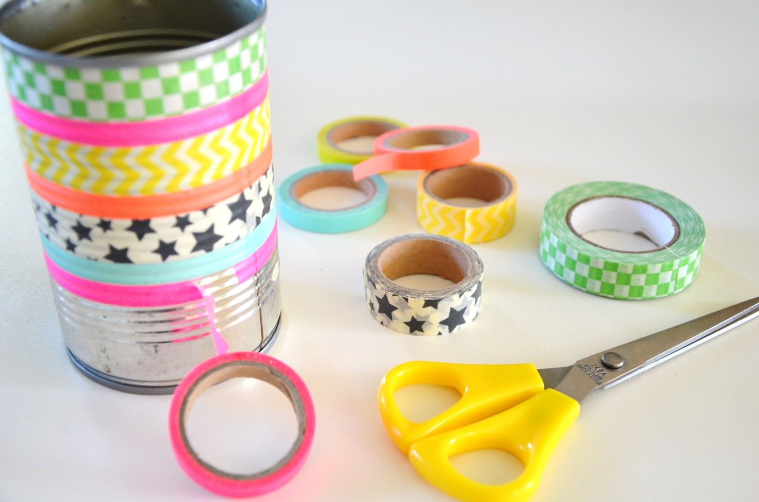 diy pot crayons masking tape. Black Bedroom Furniture Sets. Home Design Ideas