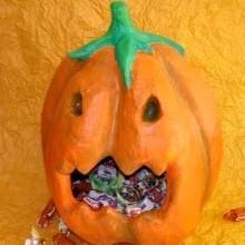 diy bonbonnière citrouille Halloween en bande plâtrée