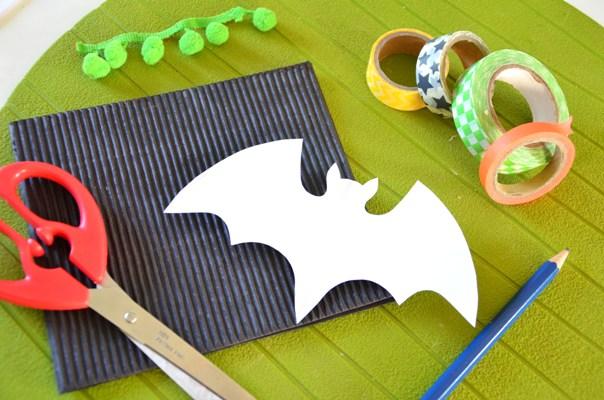 diy carte halloween chauve souris en masking tape. Black Bedroom Furniture Sets. Home Design Ideas
