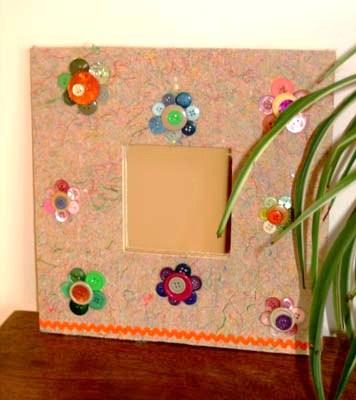 diy-miroir-recup-fleurs-boutons