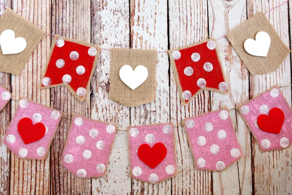 DIY} Web ♥ du jour... guirlande déco coeurs pour la St Valentin