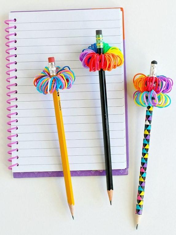 diy déco crayons pompons rainbow loom