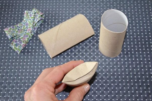 diy petites bo tes cadeaux r cup r alis es avec de simples rouleaux de papier toilette. Black Bedroom Furniture Sets. Home Design Ideas