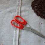 diy-coussin-vintage-napperons-pompons